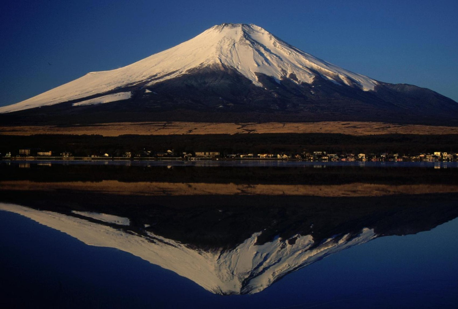 Platetectonicproject licensed for non commercial use only 1708 platetectonicproject licensed for non commercial use only 1708 mt fuji volcanic eruption by meredith mcbride ccuart Images